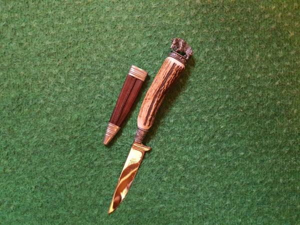 Jagdmesser mit langer klinge